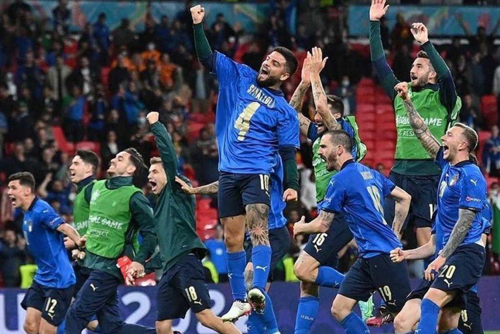 italy celebration in euro semi final